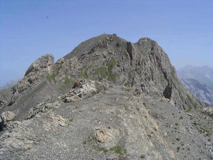 Foto: Andreas Koller / Wandertour / Hoch über St. Anton auf den Stanskogel (2757m) / Gipfelaufbau Stanskogel (Gipfelkreuz auf der rechten Spitze) / 23.05.2007 20:30:49