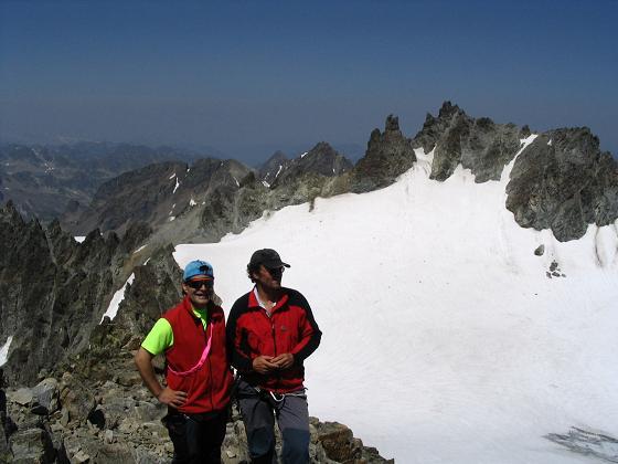 Foto: Andreas Koller / Wander Tour / Vom Jamtal auf die Dreiländerspitze und die Hintere Jamspitze (3197 m) / Vordere Jamspitze (3173 m) von der Hinteren Jamspitze / 20.05.2007 19:51:04