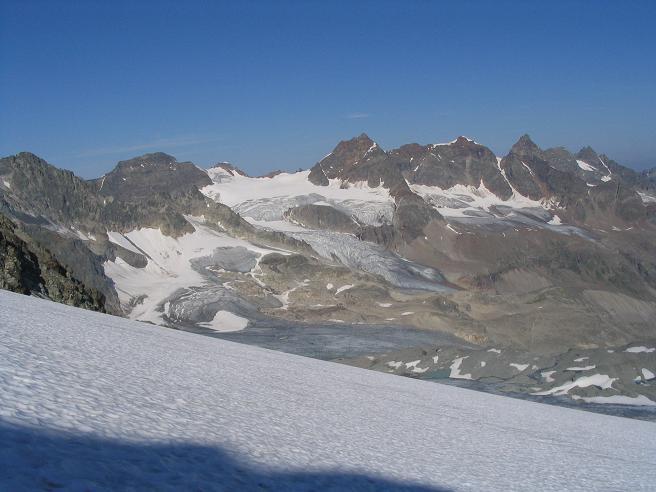 Foto: Andreas Koller / Wander Tour / Vom Jamtal auf die Dreiländerspitze und die Hintere Jamspitze (3197 m) / Im Herzen der Silvretta / 20.05.2007 19:45:24