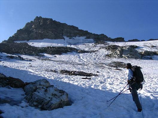 Foto: Andreas Koller / Wander Tour / Vom Jamtal auf die Dreiländerspitze und die Hintere Jamspitze (3197 m) / Eis in der Gipfelflanke der Dreiländerspitze / 20.05.2007 19:45:52