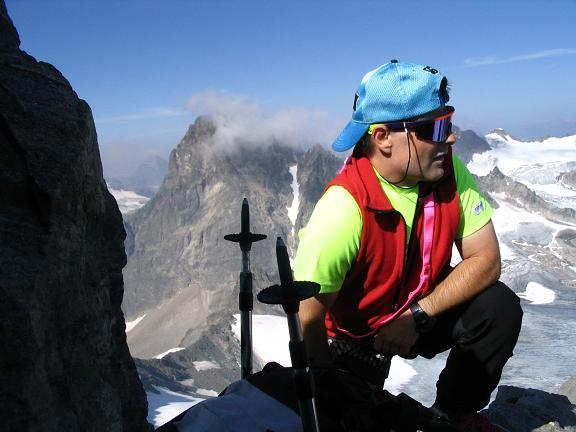 Foto: Andreas Koller / Wander Tour / Vom Jamtal auf die Dreiländerspitze und die Hintere Jamspitze (3197 m) / Auf der Dreiländerspitze mit Piz Buin (3312 m) / 20.05.2007 19:46:50