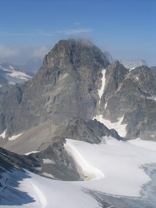 Foto: Andreas Koller / Wander Tour / Vom Jamtal auf die Dreiländerspitze und die Hintere Jamspitze (3197 m) / Der Piz Buin (3312 m) / 20.05.2007 19:47:50