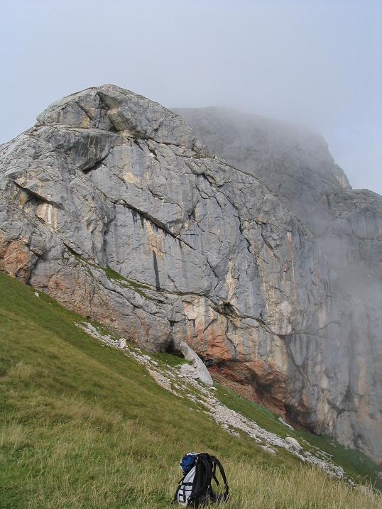 Foto: Andreas Koller / Wander Tour / Haidachstellwand und Schützensteig (2192 m) / Gipfelaufbau Haidachstellwand / 26.05.2007 13:45:36