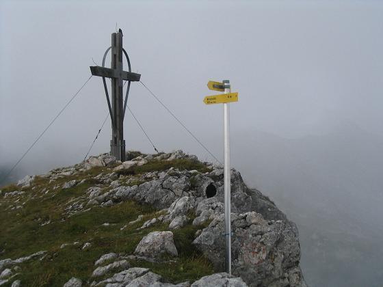Foto: Andreas Koller / Wander Tour / Haidachstellwand und Schützensteig (2192 m) / Haidachstellwand Gipfelkreuz / 26.05.2007 13:46:12