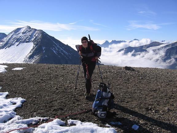 Foto: Andreas Koller / Wandertour / Oberwalderhütte und Überschreitung des Mittleren Bärenkopfes (3358 m) / Bei der Oberwalderhütte mit Fuscherkarkopf (3331 m) / 28.05.2007 23:49:09