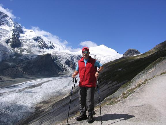 Foto: Andreas Koller / Wandertour / Oberwalderhütte und Überschreitung des Mittleren Bärenkopfes (3358 m) / Die Pasterze / 28.05.2007 23:53:38