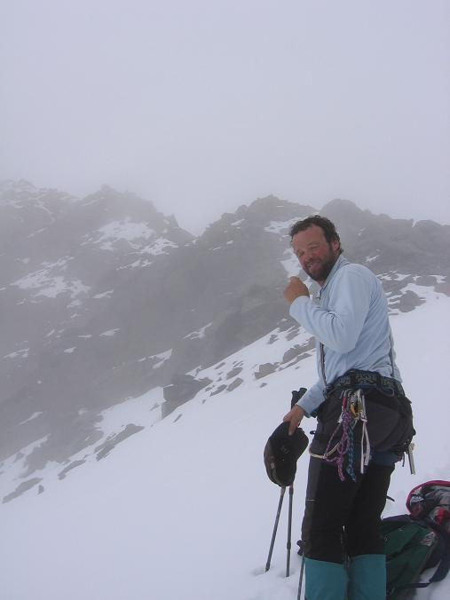 Foto: Andreas Koller / Wander Tour / Aus dem Fornokessel auf den Palon de la Mare (3703 m) / Abstieg über den SO-Grat des Palon de la mare / 28.05.2007 11:11:01
