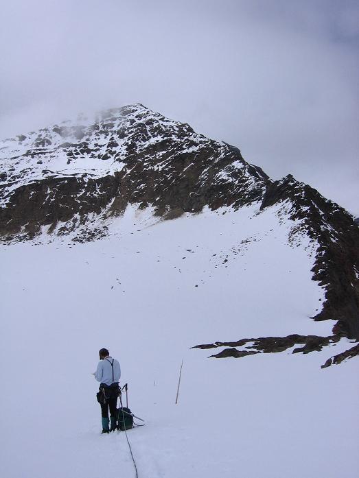 Foto: Andreas Koller / Wander Tour / Aus dem Fornokessel auf den Palon de la Mare (3703 m) / Der SO-Grat des Palon de la mare / 28.05.2007 11:10:25