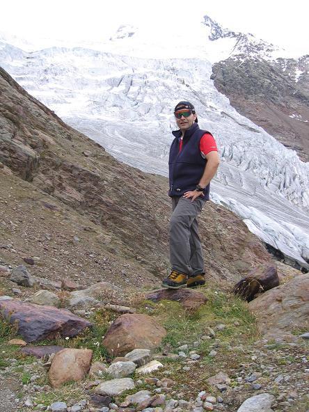Foto: Andreas Koller / Wander Tour / Aus dem Fornokessel auf den Palon de la Mare (3703 m) / Am Eisbruch des Forno-Gletschers / 28.05.2007 11:09:53