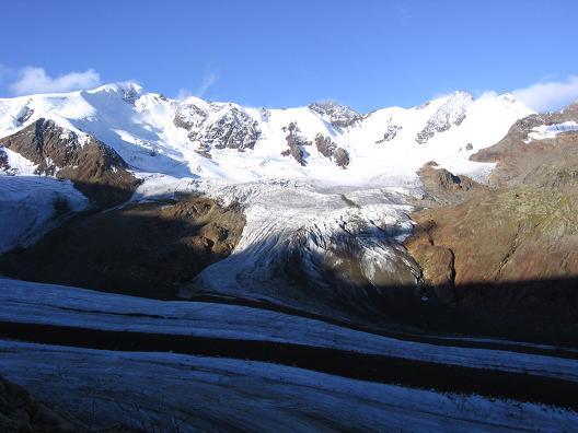 Foto: Andreas Koller / Wander Tour / Aus dem Fornokessel auf den Palon de la Mare (3703 m) / Forno-Gletscher mit Punta San Matteo (3678 m) und Pizo Tresero (3594 m) / 28.05.2007 11:14:11
