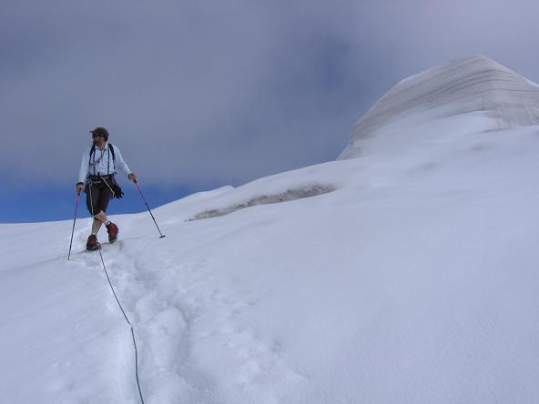 Foto: Andreas Koller / Wander Tour / Aus dem Fornokessel auf den Palon de la Mare (3703 m) / Spaltenreicher Forno-Gletscher / 28.05.2007 11:12:08