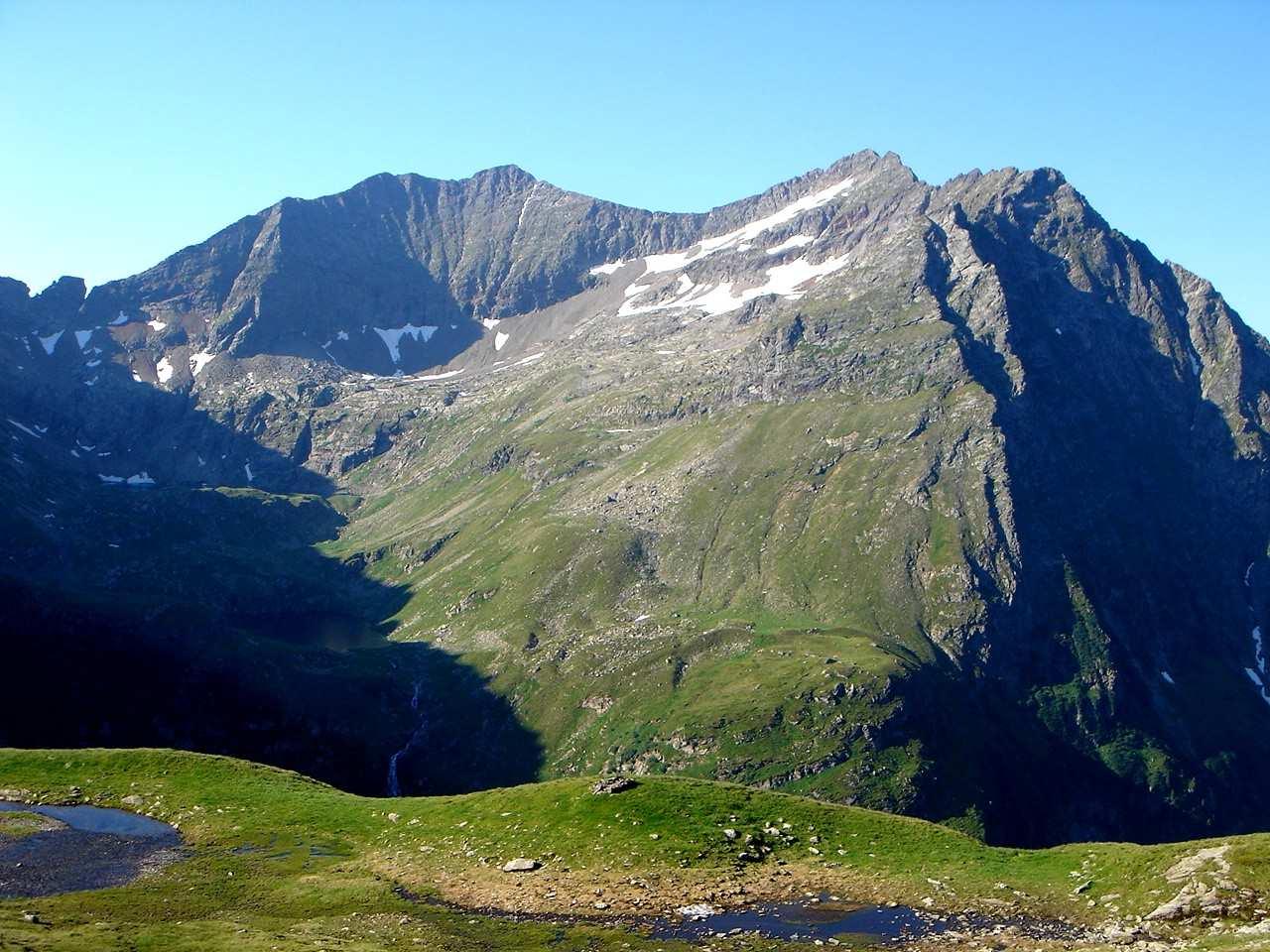 Foto: Manfred Karl / Wander Tour / Hochwildstelle-Überschreitung / Blick gegen Kieseck und Waldhorn / 15.06.2007 22:44:39