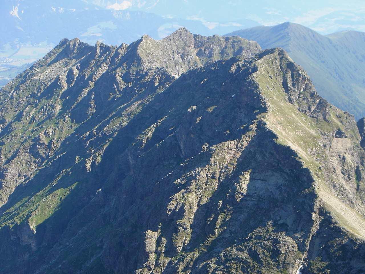 Foto: Manfred Karl / Wander Tour / Hochwildstelle-Überschreitung / Umlaufergrat vom Gipfel aus gesehen. / 15.06.2007 23:01:46