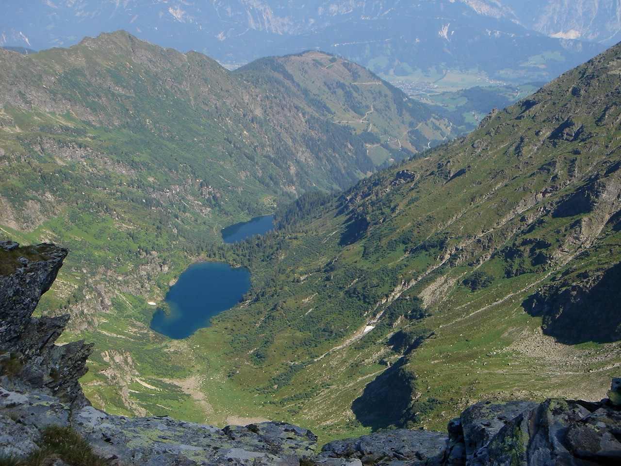 Foto: Manfred Karl / Wander Tour / Hochwildstelle-Überschreitung / Tiefblick zum Obersee und Hüttensee / 15.06.2007 23:05:29