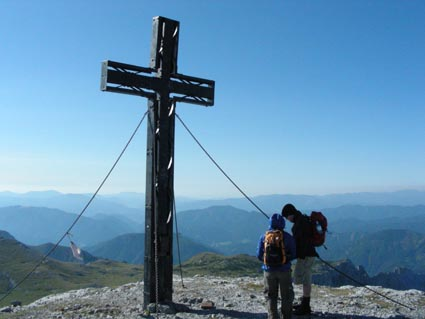 Foto: EvaNussmueller / Wander Tour / Über die Aflenzer Staritzen (2038 m) / Hochschwab Gipfel  / 08.08.2007 21:44:12