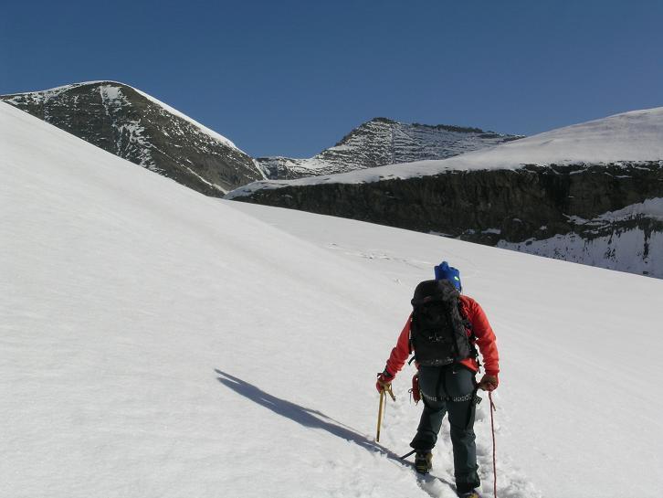Foto: Andreas Koller / Wandertour / Über die Nordflanke auf den Großen Bärenkopf (3406 m) / Nördlicher Bockkarkees und Großer Bärenkopf / 02.06.2007 01:03:45