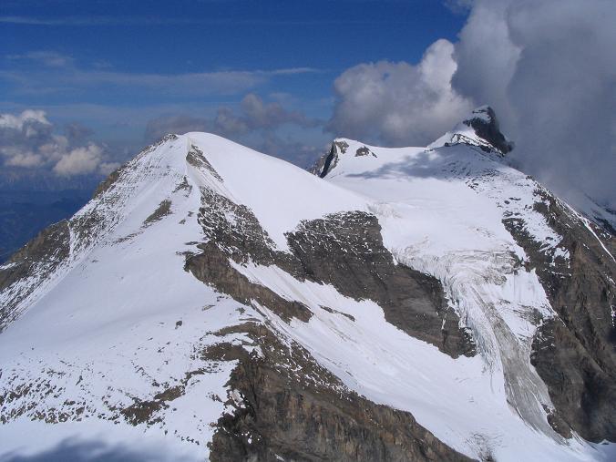 Foto: Andreas Koller / Wandertour / Über die Nordflanke auf den Großen Bärenkopf (3406 m) / Klockerin (3419 m), Hinterer Bratschenkopf (3413 m) und Großes Wiesbachhorn (3570 m) / 02.06.2007 01:06:36
