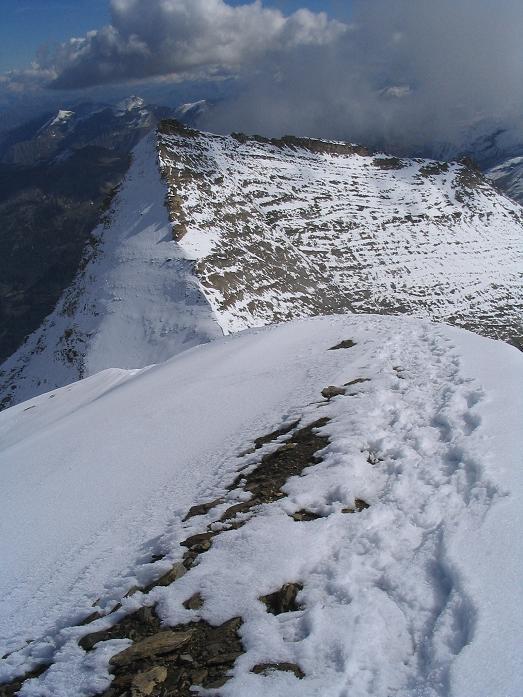 Foto: Andreas Koller / Wandertour / Über die Nordflanke auf den Großen Bärenkopf (3406 m) / Ansteigsgrat und Hohe Dock (3348 m) / 02.06.2007 01:09:09