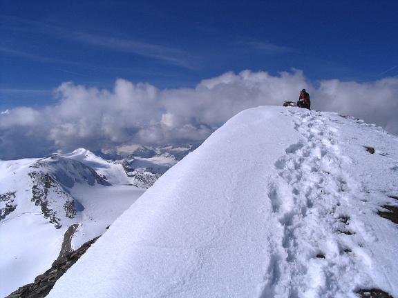 Foto: Andreas Koller / Wandertour / Über die Nordflanke auf den Großen Bärenkopf (3406 m) / Am Großen Bärenkopf / 02.06.2007 01:09:52