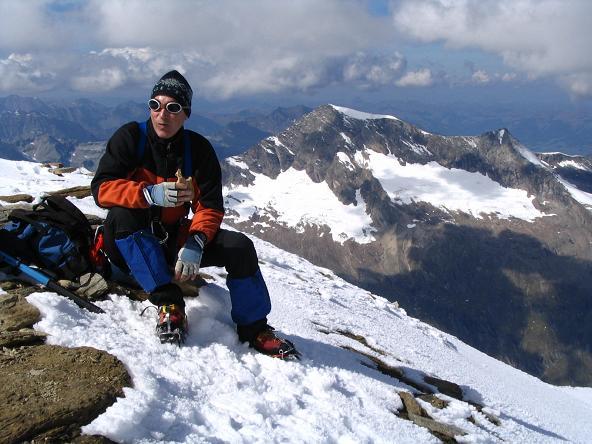Foto: Andreas Koller / Wandertour / Über die Nordflanke auf den Großen Bärenkopf (3406 m) / Vom Großen Bärenkopf nach W: Hocheiser (3204 m) / 02.06.2007 01:10:18