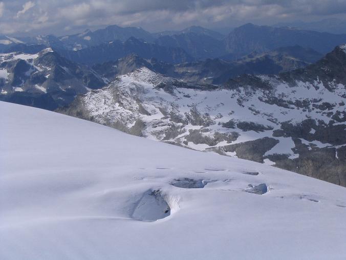 Foto: Andreas Koller / Wandertour / Über die Nordflanke auf den Großen Bärenkopf (3406 m) / Das Westliche Bärenkopfkees / 02.06.2007 01:11:25