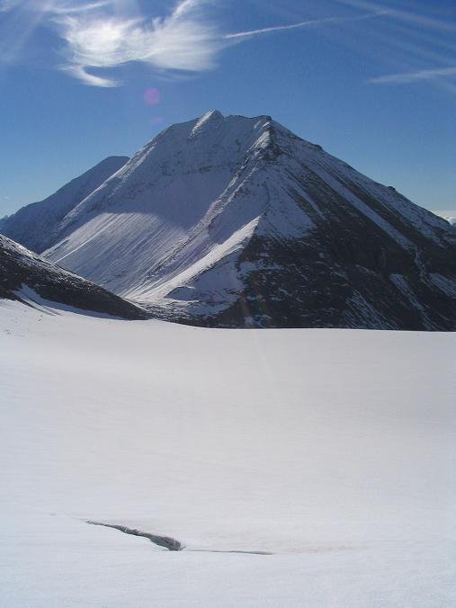 Foto: Andreas Koller / Wandertour / Über die Nordflanke auf den Großen Bärenkopf (3406 m) / Am Südlichen Bockkarkees gegen Fuscherkarkopf (3331 m) / 02.06.2007 01:02:36