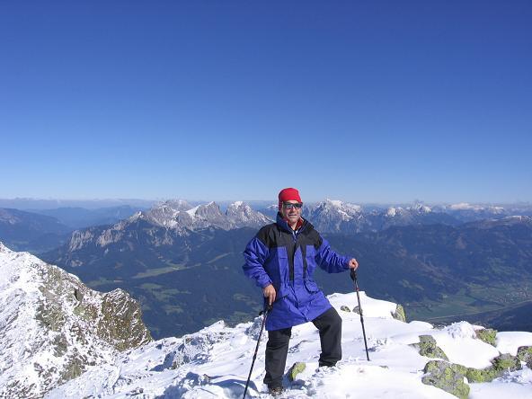 Foto: Andreas Koller / Wandertour / Von der Rottenmanner Hütte über den Dreisteckengrat zur Edelraute Hütte (2448 m) / Am gipfel der Hochhaide gegen N / 03.06.2007 20:43:07