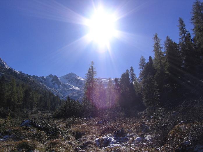 Foto: Andreas Koller / Wandertour / Von der Rottenmanner Hütte über den Dreisteckengrat zur Edelraute Hütte (2448 m) / Aufstiegsroute in die Scharte auf die Hochhaide / 03.06.2007 20:34:53