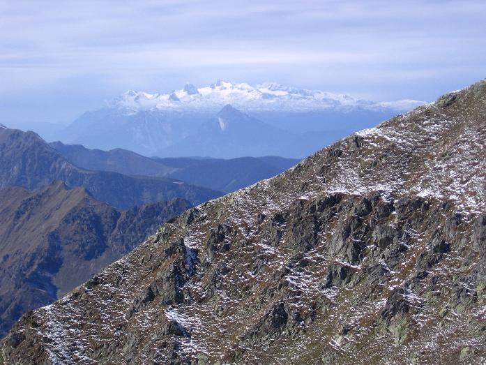 Foto: Andreas Koller / Wandertour / Von der Rottenmanner Hütte über den Dreisteckengrat zur Edelraute Hütte (2448 m) / Blick auf denDachstein (2996 m) / 03.06.2007 20:38:48