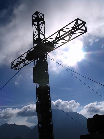 Foto: Andreas Koller / Wander Tour / Aus dem Lungau zum Klafferkessel und auf den Greifenberg (2618 m) / Greifenberg-Gipfelkreuz / 04.06.2007 23:22:14