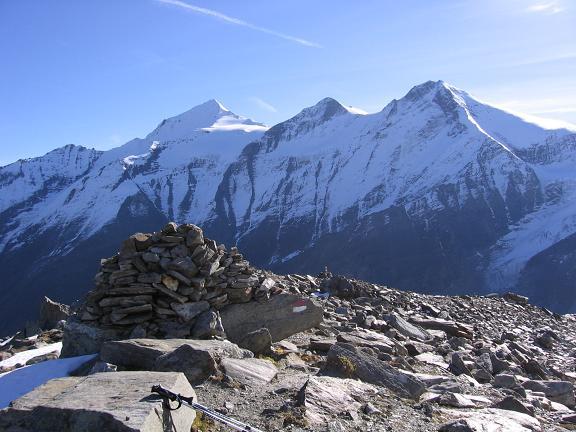 Foto: Andreas Koller / Wander Tour / Über den Sedlgrat auf den Kleinen- und Großen Grießkogel (3066 m) / Im O das Wiesbachhorn (3570 m) / 08.06.2007 20:44:41