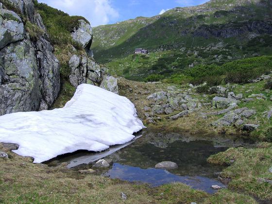 Foto: Andreas Koller / Wander Tour / Drei-Hütten-Tour in den Schladminger Tauern (2453 m) / Die Ignaz Mattis Hütte / 11.06.2007 21:37:19