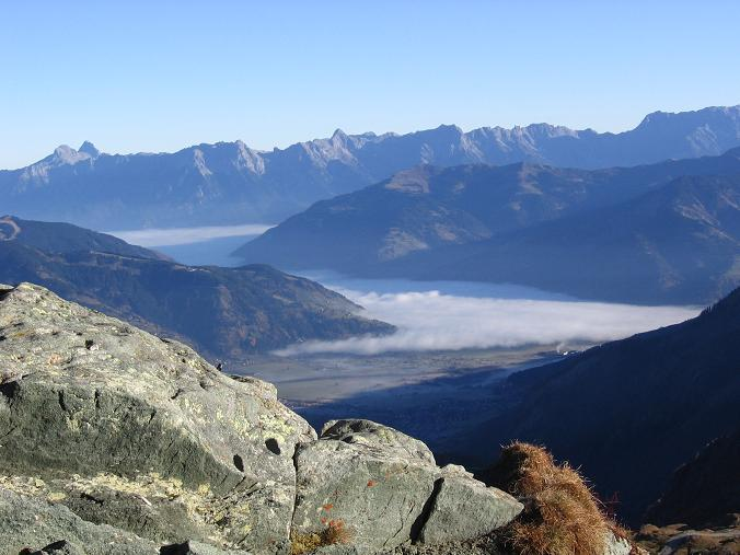 Foto: Andreas Koller / Wander Tour / Alexander-Enzinger-Weg und Tristkogel (2642 m) / Blick auf den Nebel bedeckten Zeller See / 02.06.2007 10:36:51