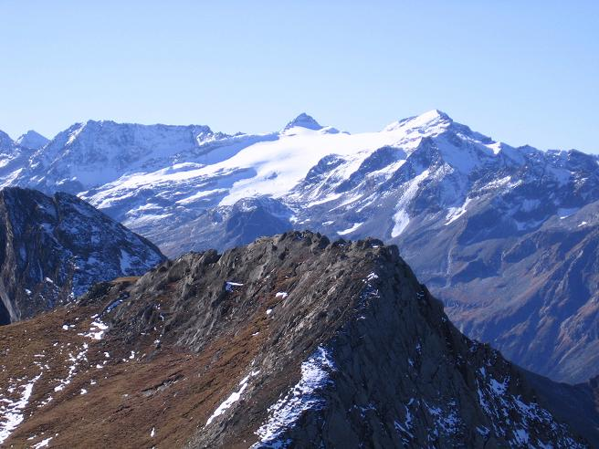 Foto: Andreas Koller / Wander Tour / Alexander-Enzinger-Weg und Tristkogel (2642 m) / Blick nach SW in das Gebiet um die Rudolfshütte um Granatspitze (3086 m) und Stubacher Sonnblick (3089 m) / 02.06.2007 10:41:23