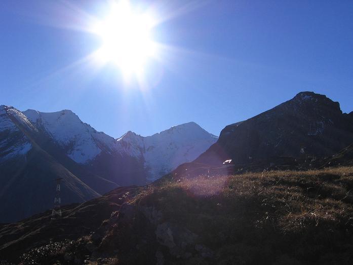 Foto: Andreas Koller / Wander Tour / Alexander-Enzinger-Weg und Tristkogel (2642 m) / Blick auf das Große Wiesbachhorn (3570 m) / 02.06.2007 10:38:15