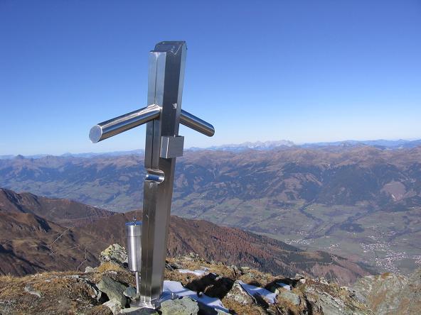 Foto: Andreas Koller / Wander Tour / Alexander-Enzinger-Weg und Tristkogel (2642 m) / Tristkogel-Gipfelkreuz / 02.06.2007 10:39:56