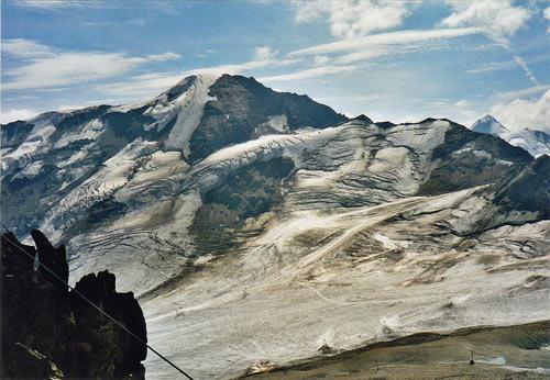 Foto: vince 51 / Wander Tour / Vom Kaunertaler Gletscherskigebiet auf den Wiesjagglkopf (3127m) / Gletscherschigebiet und Weissespitze / 28.05.2007 21:04:56