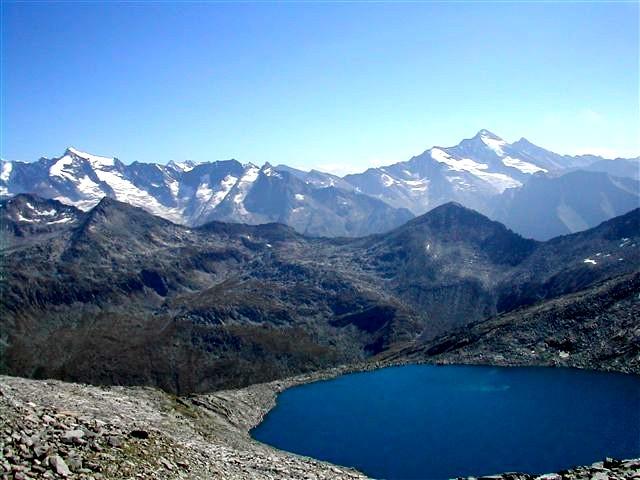 Foto: Berghase / Wander Tour / In 5 Tagen durch die Venedigergruppe und die Östlichen Zillertaler Alpen / Blick vom Zillertaler Plattl mit Eissee / 29.12.2006 11:38:57