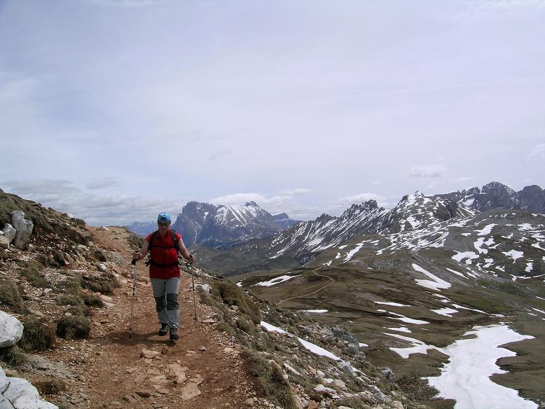 Foto: Andreas Koller / Wander Tour / Schlern und Grödner Höhenweg (2656 m) / Am Weg zum Schlernhaus / 22.04.2007 21:51:10