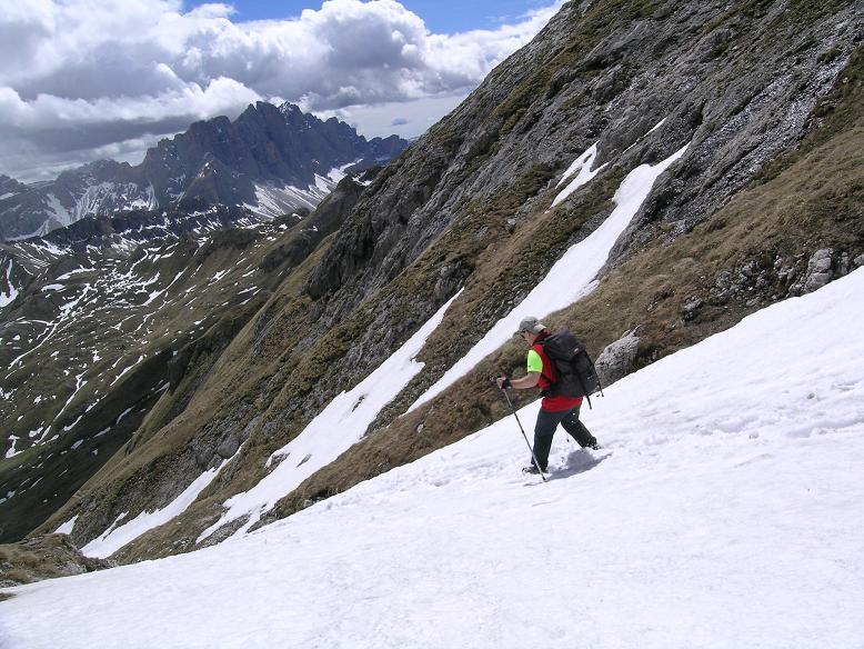Foto: Andreas Koller / Wander Tour / Aus dem Villnösstal auf den Peitlerkofel (2875m) / Steilabstieg vom Peitlerkofel / 22.04.2007 20:59:36