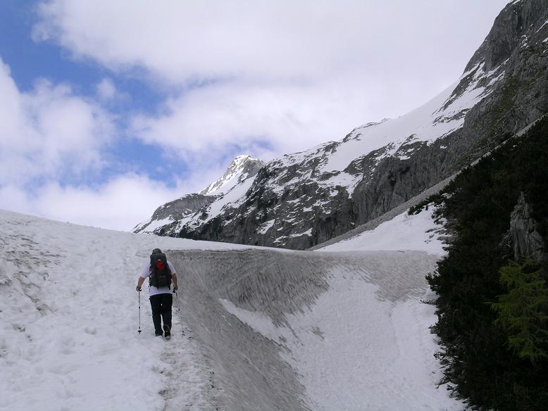 Foto: Andreas Koller / Wandertour / Durch das Seetal ins Herz des Hochschwabs (2277 m) / Aufstieg in der Unteren Dullwitz zur Voisthalerhütte / 22.04.2007 22:35:22