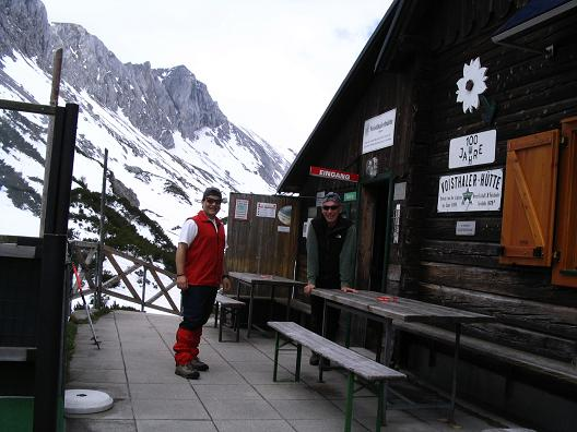 Foto: Andreas Koller / Wander Tour / Durch das Seetal ins Herz des Hochschwabs (2277 m) / Die Voisthalerhütte / 22.04.2007 22:35:44