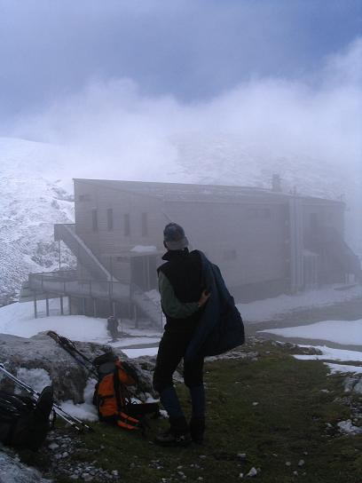 Foto: Andreas Koller / Wander Tour / Durch das Seetal ins Herz des Hochschwabs (2277 m) / Beim Schiestlhaus / 22.04.2007 22:36:41