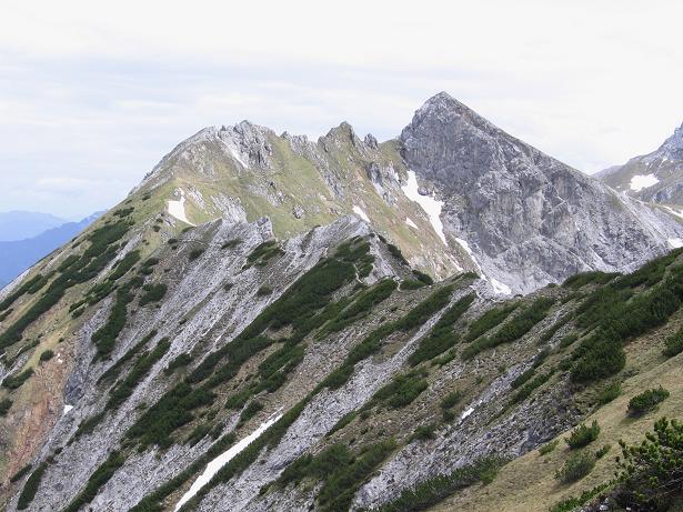 Foto: Andreas Koller / Wander Tour / Riffel und Rosskarsteig (2106 m) / Der lange Verbindungsgrat Riffel - Kreuzkogel / 22.04.2007 23:05:18