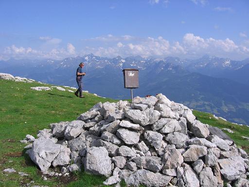 Foto: Andreas Koller / Wander Tour / Die Eselstein - Runde (2667 m) / Sinabell-Gipfel / 23.04.2007 14:07:43