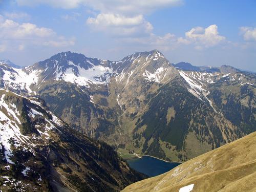 Foto: vince 51 / Wander Tour / Vom Neunerkopf zur Landsberger Hütte / Rauhhorn, Gaisshorn und Vilsalpsee / 30.04.2007 22:06:51