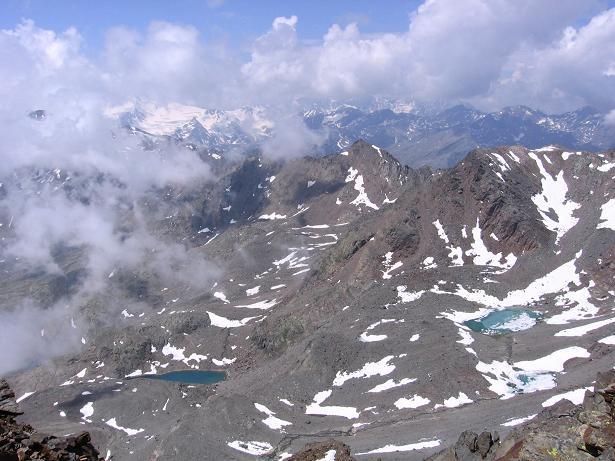 Foto: Andreas Koller / Wander Tour / Hintere Eggenspitze - auf den höchsten Gipfel über dem Ultental (3443 m) / Blick nach W zum Cevedale (3769 m) / 26.04.2007 22:08:54