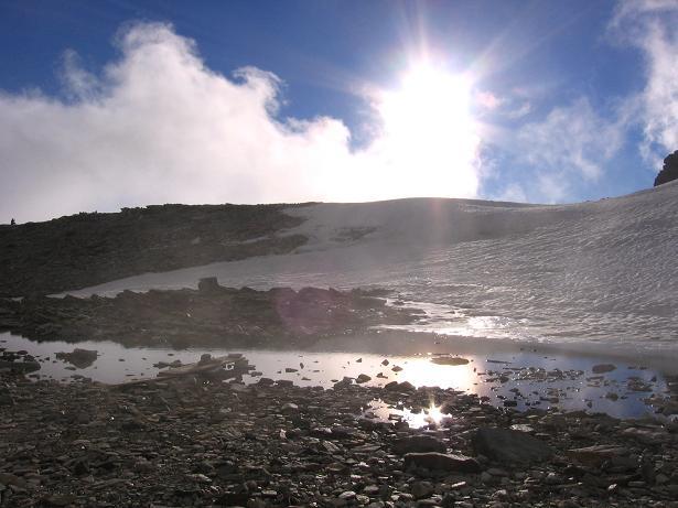 Foto: Andreas Koller / Wander Tour / Aus dem Val di Gressoney auf den Lyskamm West (4480 m) / Impressionen von der Hüttenumgebung / 25.04.2007 19:07:12