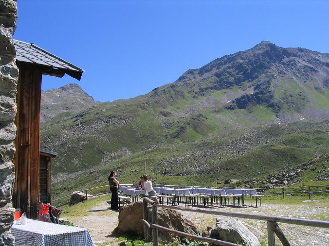 Foto: Andreas Koller / Wander Tour / Über den Rotpleiskopf (2936 m) / Rotpleiskopf von der Ascher Hütte gesehen / 24.04.2007 12:31:42