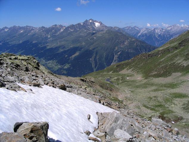 Foto: Andreas Koller / Wander Tour / Über den Rotpleiskopf (2936 m) / Blick auf den Hohen Riffler (3168 m) / 24.04.2007 12:33:09